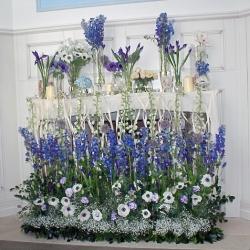 Живые цветы в интерьере дома на день рождения