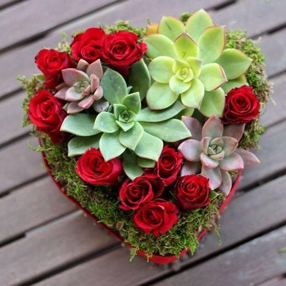 Букет сиреневых роз в органзе (13 х 13 х 17 см)