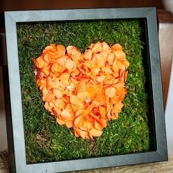 картина валентинка из стабилизированных цветов