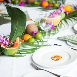 Гавайская вечеринка оформление стола. Оформление помещений цветами.