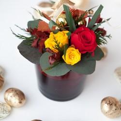 Новогодняя композиция Миди из стабилизированных цветов