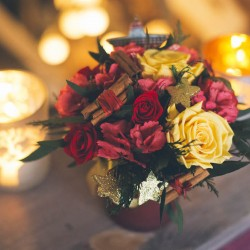 стабилизированные цветы новогодняя композиция