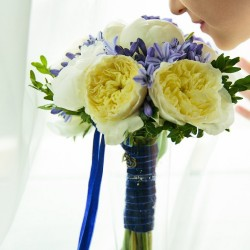сине желтый букет невесты