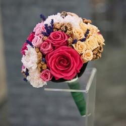 Свадебные букеты из стабилизированных цветов